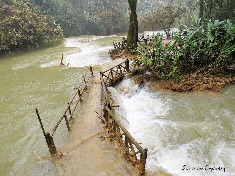 l-i-f-e-luang-prabang-laos-kuangsi-waterfall4