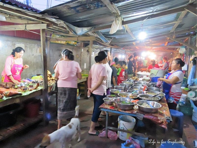 l-i-f-e-luang-prabang-night-market-2