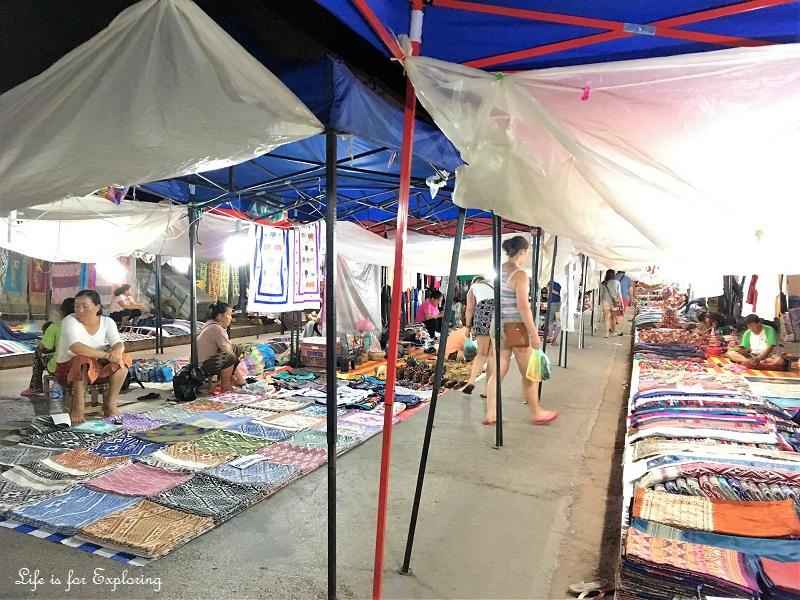 l-i-f-e-luang-prabang-night-market-4
