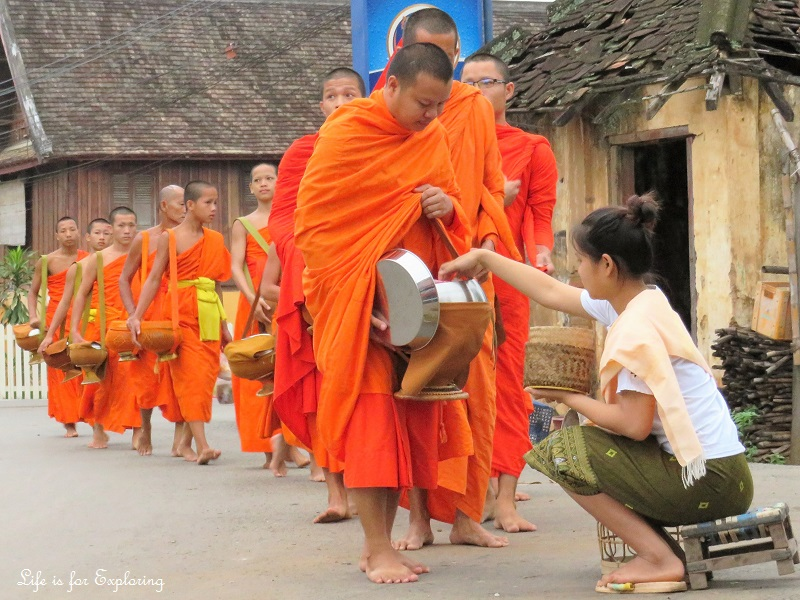 l-if-e-luang-prabang-alms-monks-laos-1