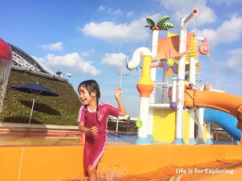 l-i-f-e-splash-n-surf